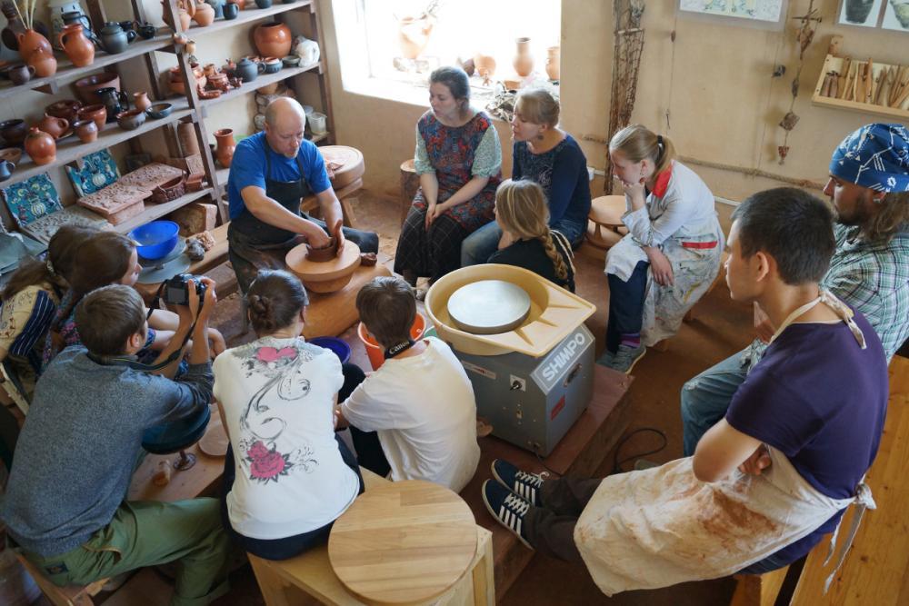 Введение в тему: мастер-класс Зварича А.Н. по работе на ручном гончарном круге