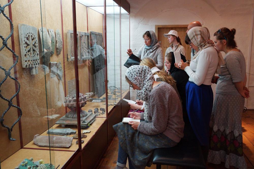 Занятие Волковой Е.В. «Изделия ремесленных мастерских Соловецкого монастыря»