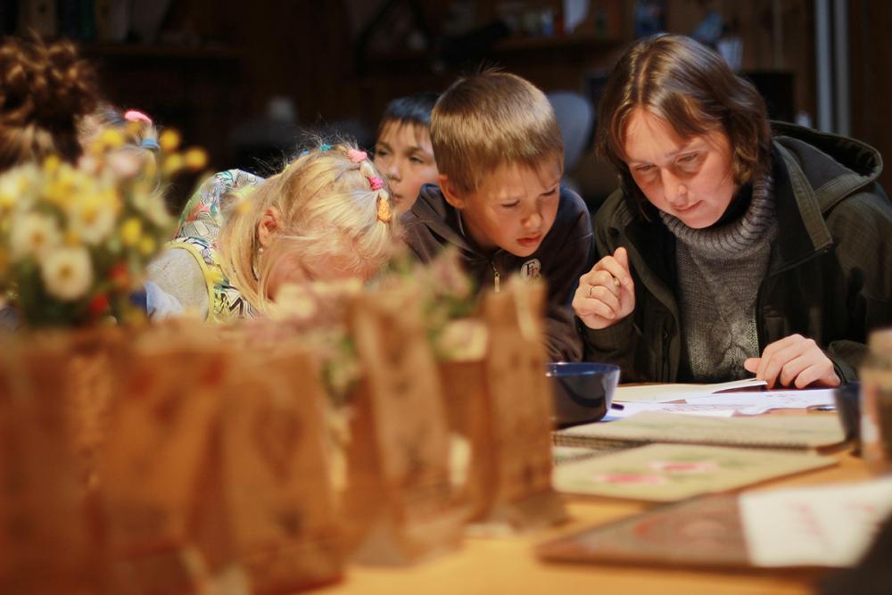 Мастер-класс по росписи для родителей на презентации экспедиции