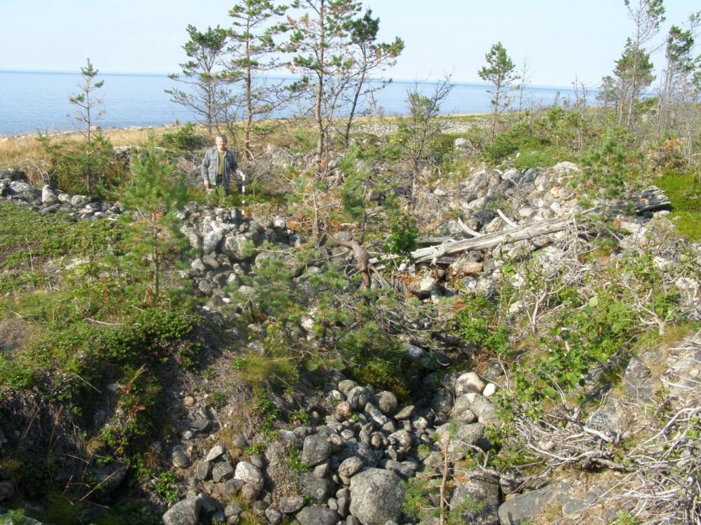 Остров Б. Соловецкий. Место расположения артиллерийской батареи в районе м. Белужий.
