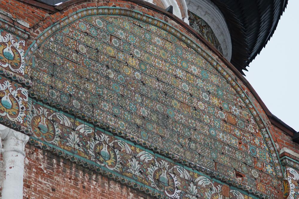 Изразцовый декор Покровского собора в Измайлово. Москва. 1674–1675 гг.