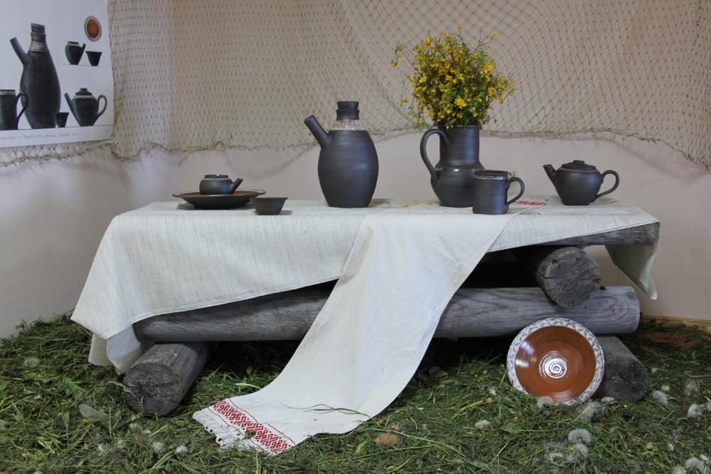 Набор гончарной посуды «Белое море». Автор – Константин Чирков