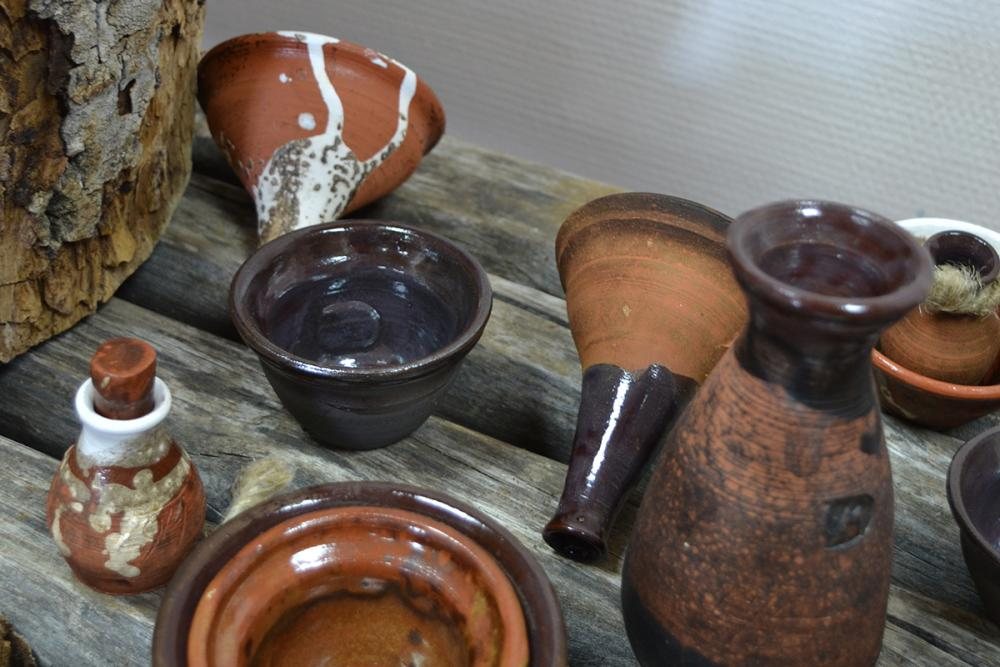 Предметы из гончарного набора «Источник» (для Филипповской пустыни). Автор – Дарья Выборова
