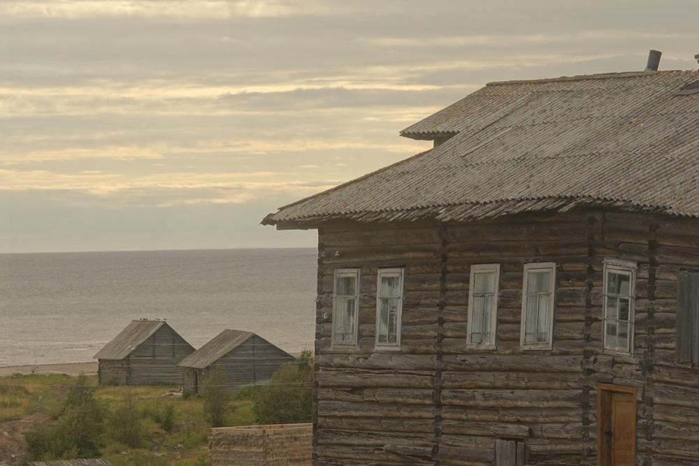 Деревня Лямца смотрит в море