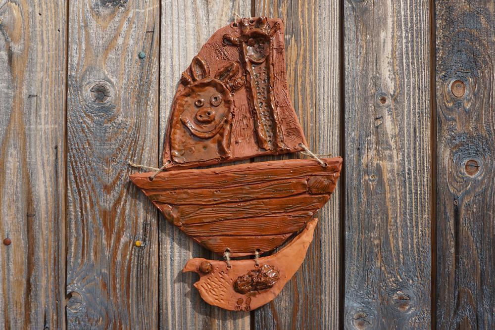 Керамическое панно из серии «Поморский ковчег». Грачёва Ульяна, 7 лет