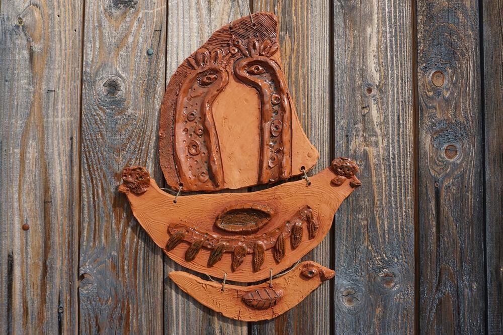 Керамическое панно из серии «Поморский ковчег». Лобанова Вика, 9 лет